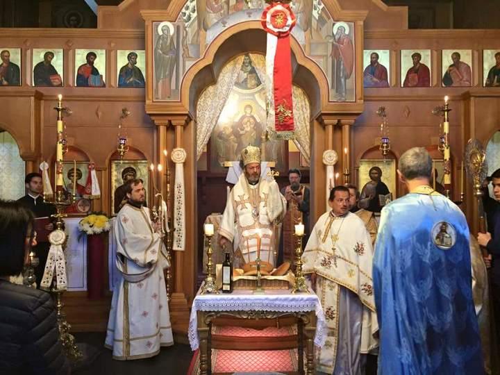 Kirche des Gottes in christlichem Bischof homosexuell
